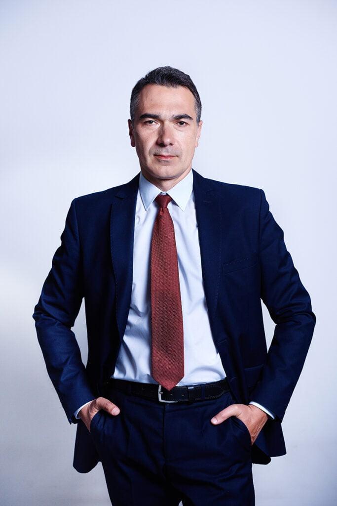 biznesowy portret dojrzałego mężczyzny